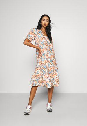 PCYRSA MIDI DRESS  - Day dress - peach