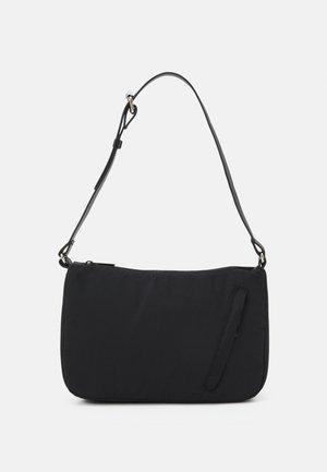 PCMOLLY BAG - Handbag - black