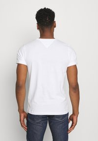 Tommy Jeans - CNECK TEES 2 PACK - T-Shirt basic - white / black - 2