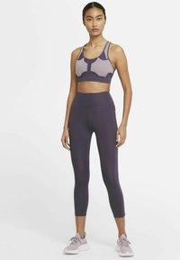 Nike Performance - EPIC FAST CROP - Medias - dark raisin - 1