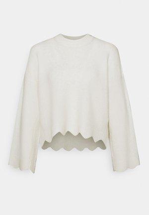 CREW NECK WITH SCALLOPS - Maglione - white