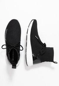 Emporio Armani - High-top trainers - black - 3