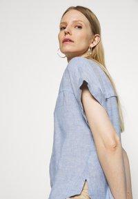 Marks & Spencer London - BLOUSE - T-shirt med print - blue - 3