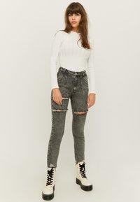 TALLY WEiJL - Slim fit jeans - gry - 1