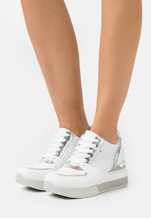 SOLE - Sneakers laag - white
