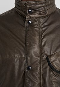 C.P. Company - MEDIUM JACKET NYBER SPECIAL DYED - Lehká bunda - dark olive - 6