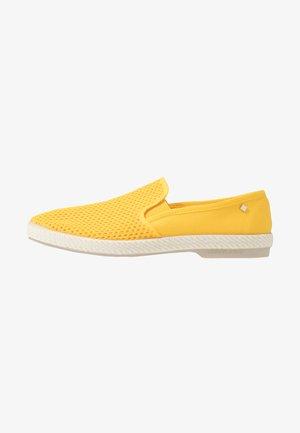 CLASSIC 20° - Półbuty wsuwane - jaune