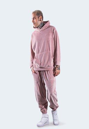 IN CINIGLIA CON - BRAVE - Survêtement - pink