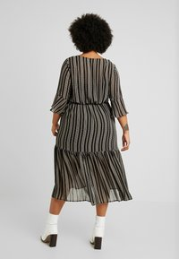 Zizzi - EXCLUSIVE DRESS - Hverdagskjoler - black - 3