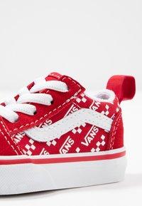 Vans - OLD SKOOL ELASTIC LACE - Matalavartiset tennarit - racing red/true white - 2