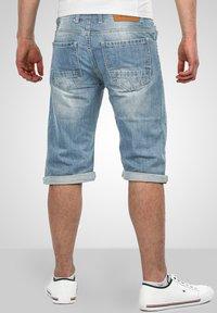 Alessandro Salvarini - Denim shorts - hellblau - 1