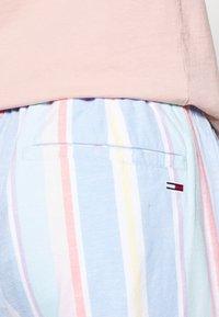 Tommy Jeans - STRIPE - Shorts - light powdery blue - 5