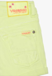 Vingino - DELIA - Denim shorts - neon yellow - 3