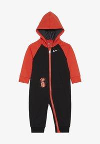 Nike Sportswear - KYRIE COVERALL - Dupačky na spaní - black - 2