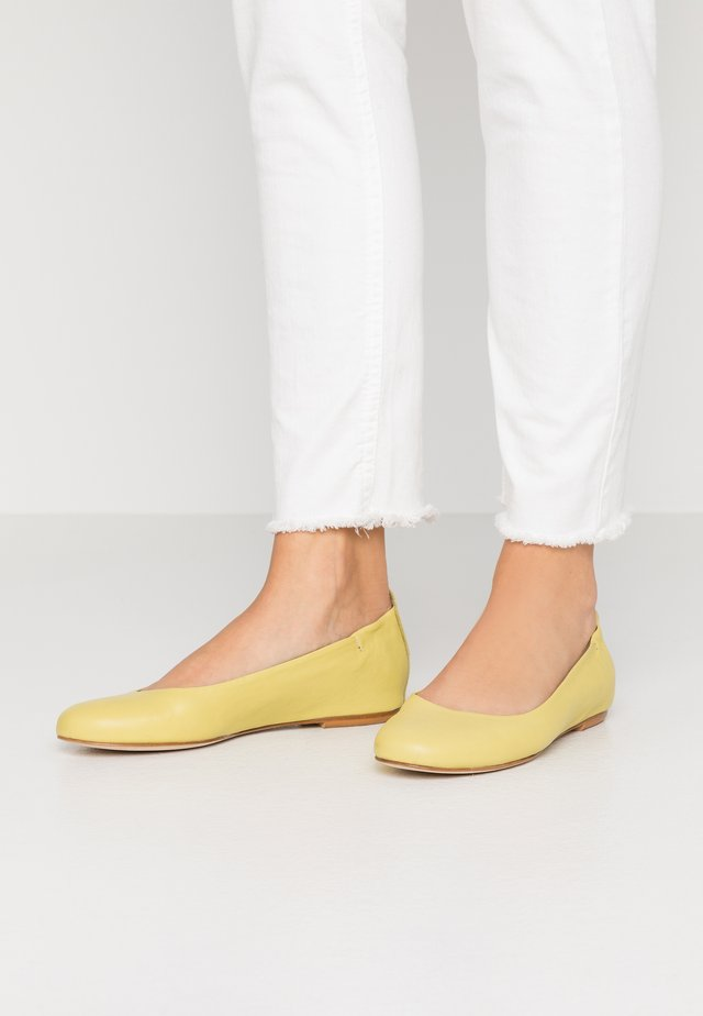 CHARRUA - Ballet pumps - after lemon