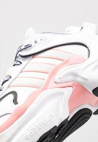 adidas Originals - MAGMUR RUNNER - Trainers - footwear white/grey one/glow pink - 2