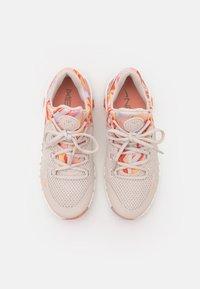Nike Performance - FREE METCON 4 - Treningssko - desert sand/metallic copper/crimson bliss/summit white - 3