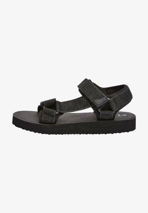 Chodecké sandály - black