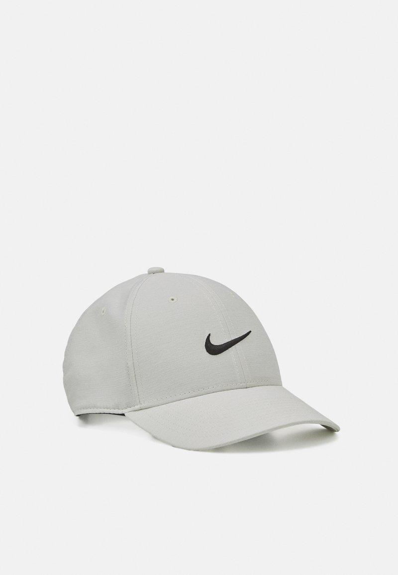 Nike Golf - NOVELTY - Gorra - photon dust/white/black