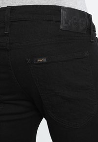Lee - LUKE - Jeansy Slim Fit - clean black - 4