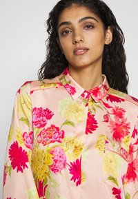 iBlues - VARIETY - Button-down blouse - powder - 3