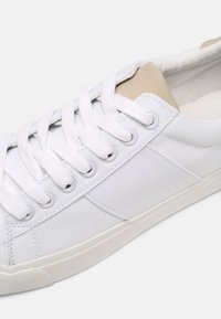 Pier One - UNISEX - Sneakers basse - white - 6