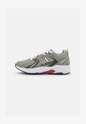 OSERRA UNISEX - Sneakers laag - granite gree soft army