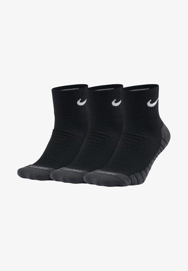 CUSHION QUARTER TRAININGSSOCKEN (3 PAAR) - Sports socks - black
