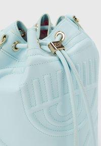 CHIARA FERRAGNI - EYELIKE BAGS - Across body bag - baby blue - 3