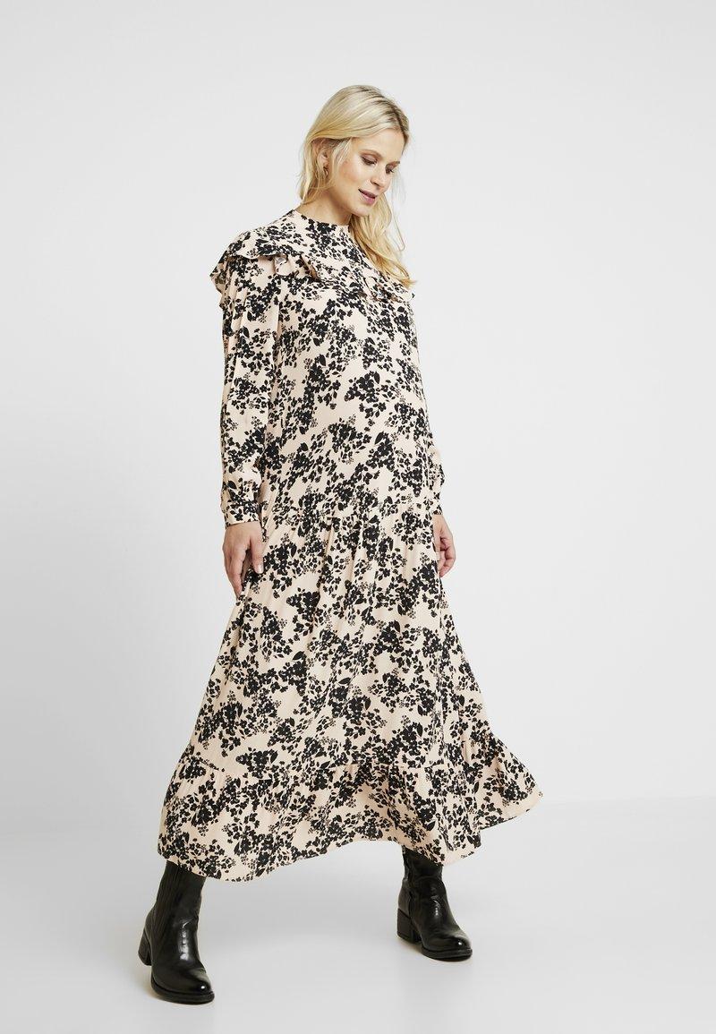 Topshop Maternity - CHUCK ON - Jersey dress - blush