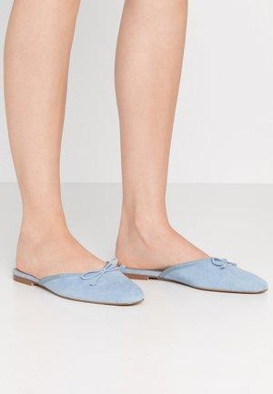 CARA - Pantofle - sky blue