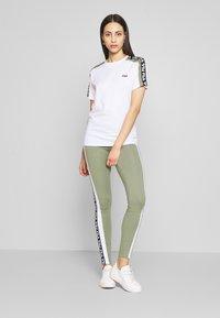 Fila Tall - TANDY TEE - Print T-shirt - bright white/sea spray - 1