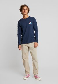 HUF - PRISM TEE - Long sleeved top - insignia blue - 1