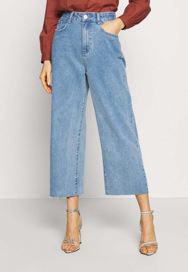 HIGH RISE WIDE LEG - Flared Jeans - stonewash blue