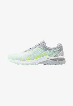 GT-2000 8 MODERN TOKYO - Stabilty running shoes - mint tint/white