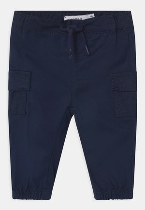 NBMROMEO TWIBTUS - Cargo trousers - dark sapphire