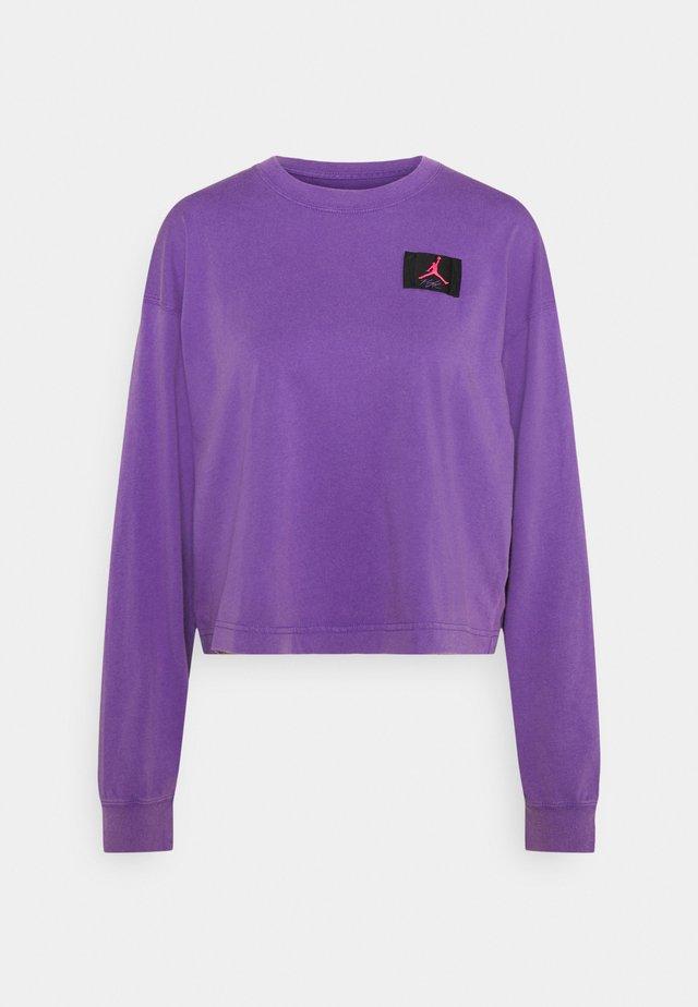 ESSENTIAL BOXY TEE - Maglietta a manica lunga - wild violet