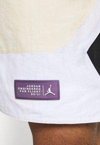 Jordan - Shorts - beach/white/black - 5