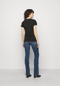 HUGO - THE SLIM TEE - T-shirts med print - black - 2