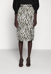 Bruuns Bazaar - TREE VIOLIS SKIRT - A-line skirt - dusty olive/snow white - 0
