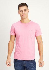 GANT - THE ORIGINAL - T-shirt - bas - pink rose - 0