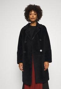 Oakwood - SISSI REVERSIBLE - Classic coat - black - 0