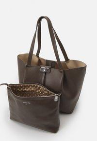 Patrizia Pepe - BORSA BAG SET - Handbag - mangrove green - 4