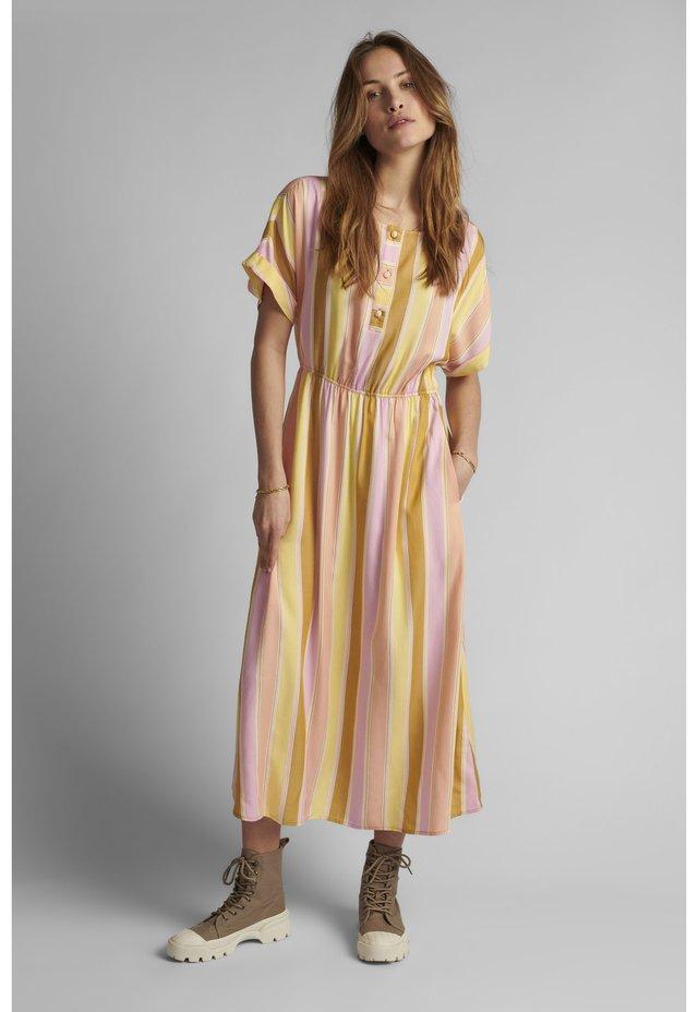 NUCAMELLIA SHIRTDRESS - Shirt dress - snapdragon