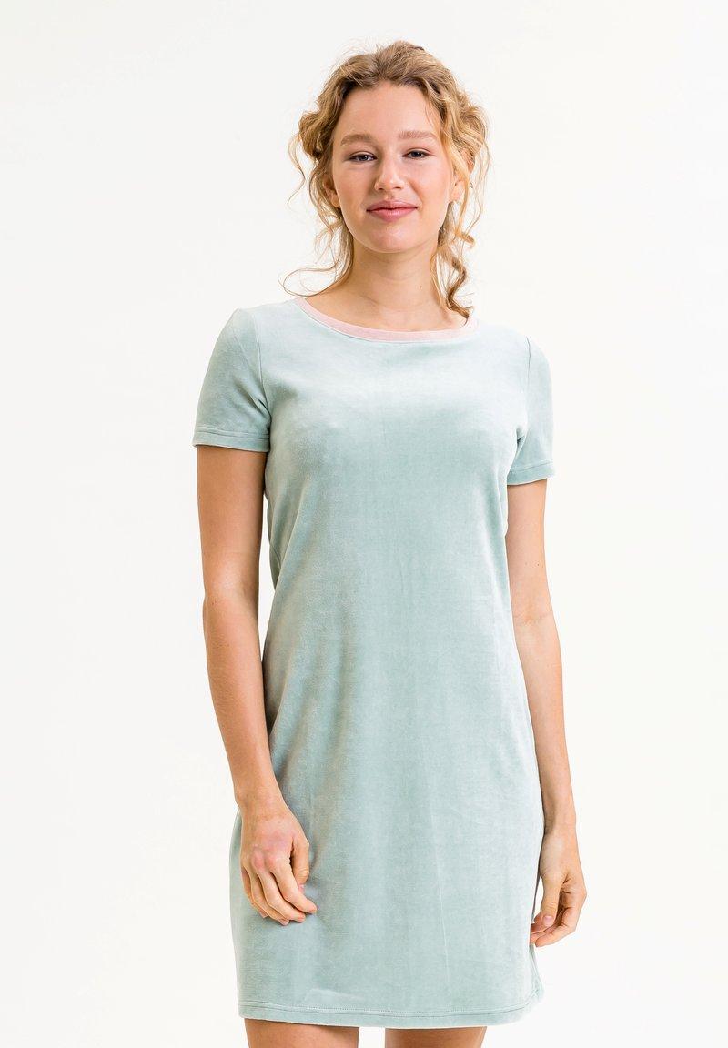 UVR Berlin - ELININA - Jersey dress - hellgrün