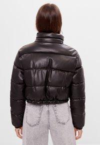 Bershka - Zimní bunda - black - 2