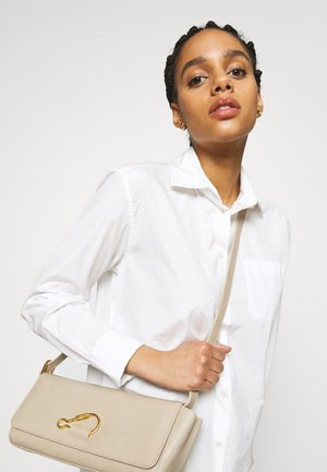 HOOK BAGUETTE - Handbag - beige