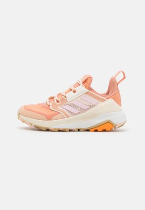 TERREX TRAILMAKER PRIMEGREEN  - Hiking shoes - ambient blush/clear pink/white