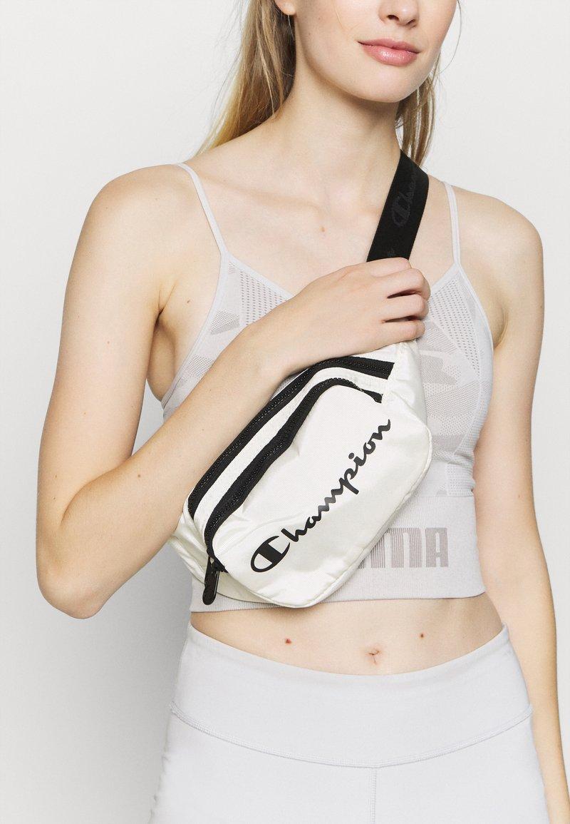 Champion - BELT BAG LEGACY - Across body bag - offwhite