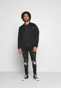 Good For Nothing - DARK RIPPED WITH PAINT - Jeansy Skinny Fit - black - 1